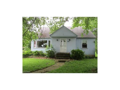 1028 Foster, Elyria, OH 44035