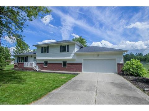 33740 Cooley Rd, Columbia Station, OH 44028