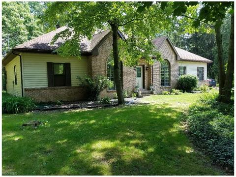 2708 Shanksdown Rd, Southington, OH 44231