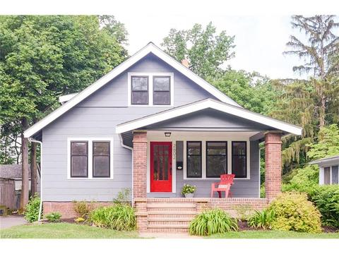 2602 Queenston RdCleveland Heights, OH 44118