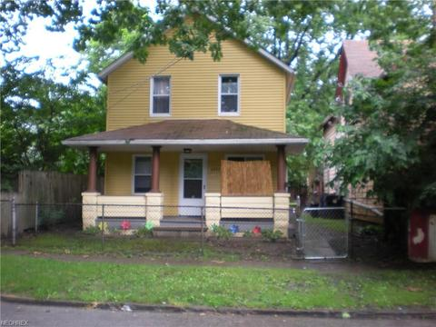 3052 W 47th St, Cleveland, OH 44102