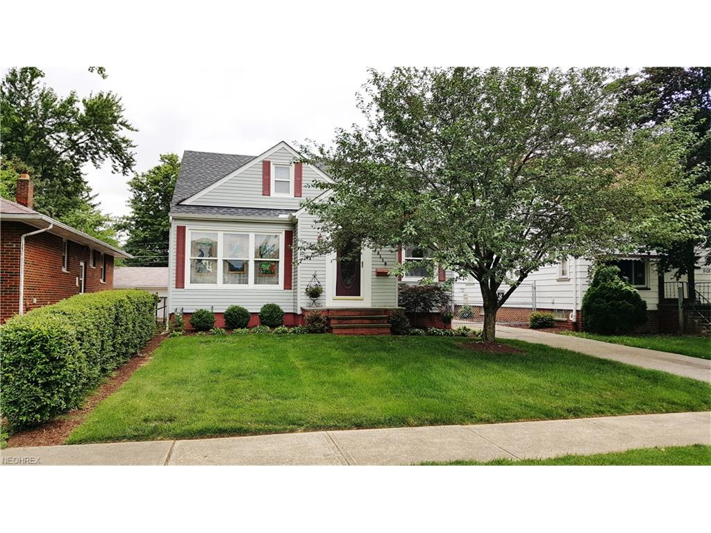 8112 Fernhill Ave, Cleveland, OH 44129