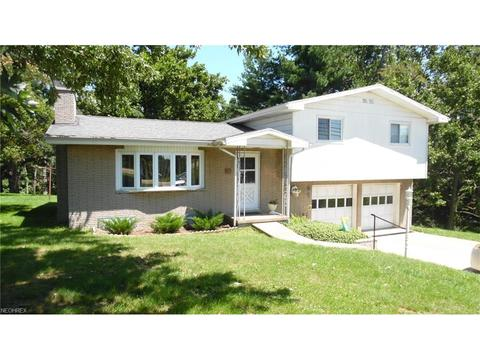 1107 Lancaster St, Marietta, OH 45750