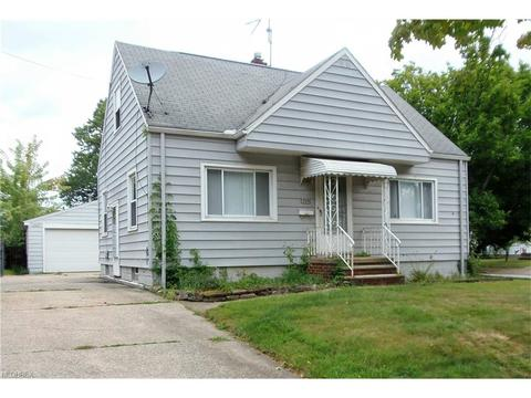 709 Triplett Blvd, Akron, OH 44306