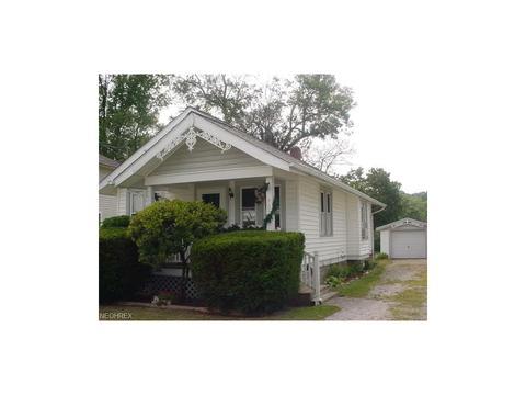 462 Larkin Ave, Akron, OH 44305