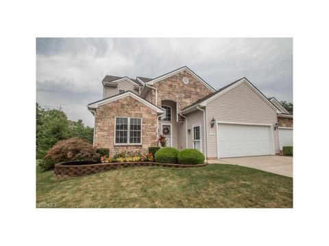 153 Stonecreek Dr, Mayfield, OH 44143