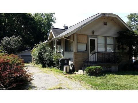 1260 Hazelwood Ave, Akron, OH 44305