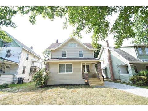 156 E Mapledale Ave, Akron, OH 44301