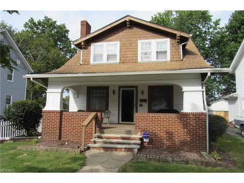 886 Peerless Ave, Akron, OH 44320