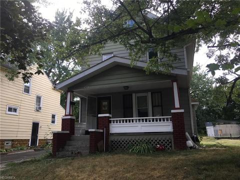 920 Chalker St, Akron, OH 44310