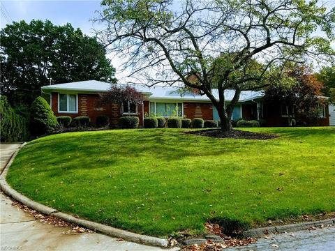 491 Parkside Dr, Akron, OH 44313