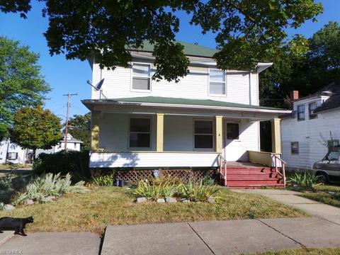 1389 Sprague St, Akron, OH 44305