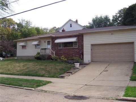 2045 9th St SW, Akron, OH 44314