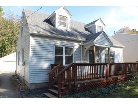 53 Woolf Ave, Akron, OH 44312