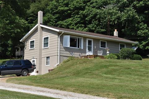 11135 Lawndell Rd SW, Navarre, OH 44662