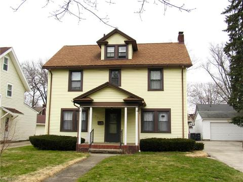 Astounding 465 Roslyn Ave Akron Oh 31 Photos Mls 4072864 Movoto Home Interior And Landscaping Mentranervesignezvosmurscom