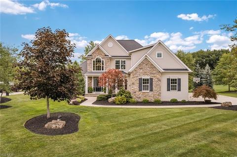 52 Willoughby Hills Homes for Sale - Willoughby Hills OH ...