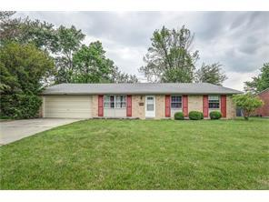 125 Lodewood Dr, Centerville OH 45458