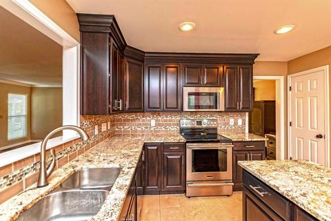 8324 White Hill Ln, West Chester, OH (25 Photos) MLS# 1601041 - Movoto