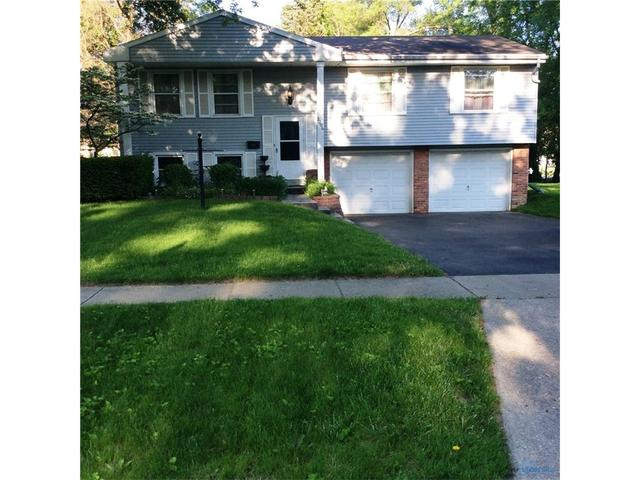 2206 Country Squire LnToledo, OH 43615