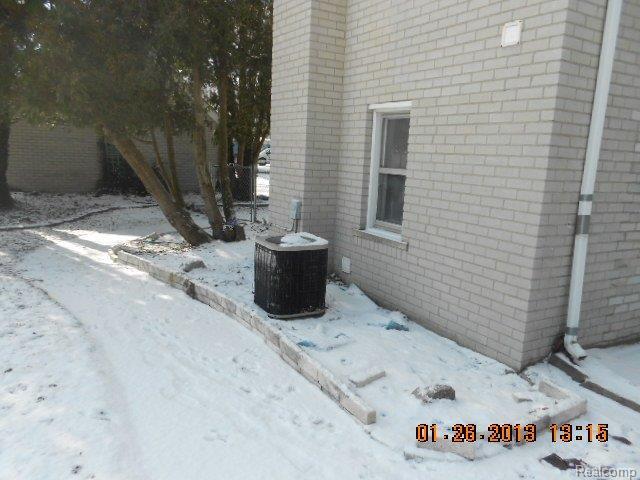 37642 Radde St, Clinton Township MI 48036