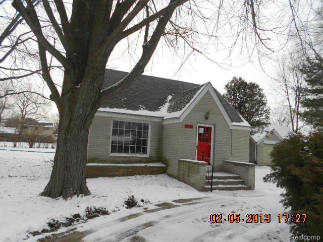 37642 Radde St, Clinton Township, MI 48036