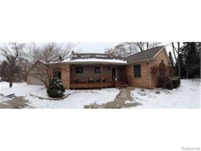 768 S Long Lake Blvd, Lake Orion MI 48362