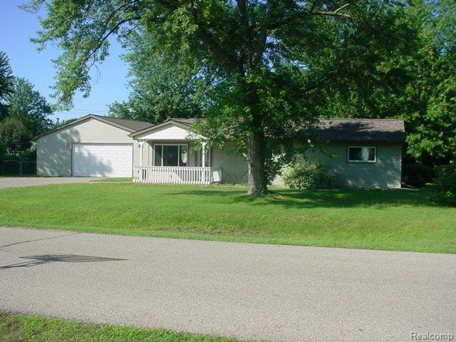 4781 Independence Dr, Clarkston MI 48346