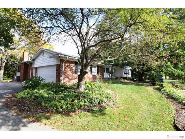 5331 Lauren Ct, Bloomfield Hills, MI