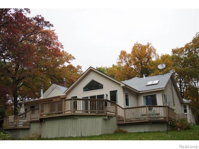 5590 Big Fish Lake Rd, Goodrich, MI