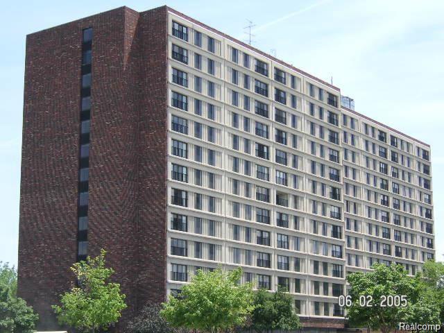 21800 Morley Ave #APT 905, Dearborn, MI