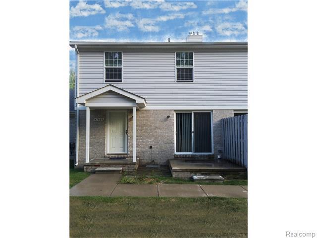 47086 Auburn Ct, Utica, MI