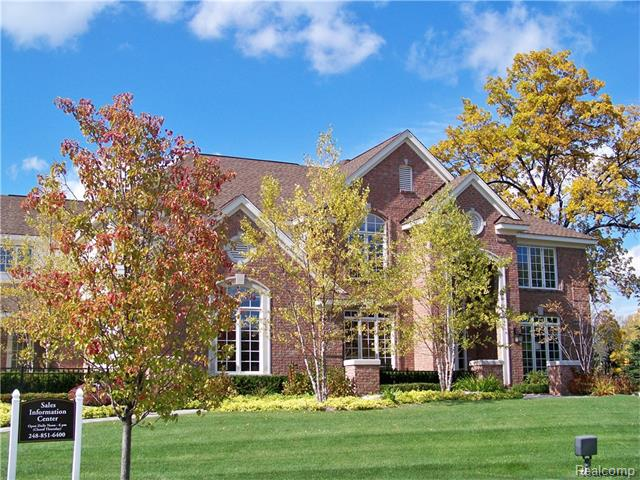 3200 Legacy Ct, West Bloomfield, MI