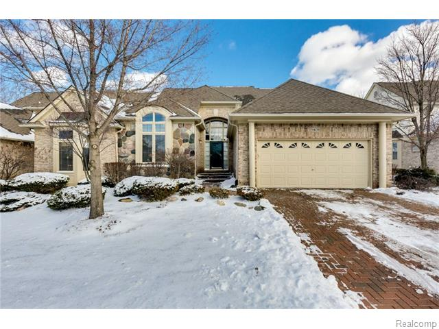 9408 Timberline Ct, Plymouth, MI