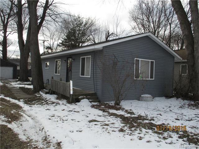 25060 Harrison St, Harrison Township, MI
