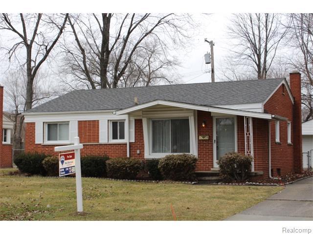17256 Roseland Blvd, Southfield, MI