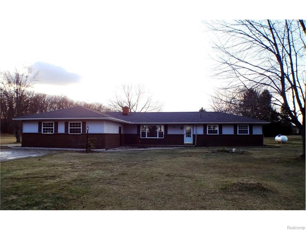 4452 Hinchey Rd, Howell, MI