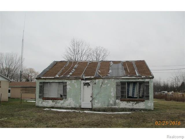 347 Pickford Rd, Smiths Creek, MI