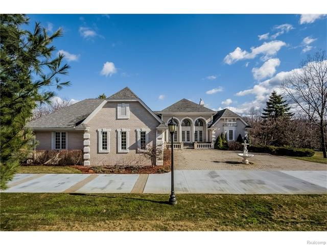 5276 W Maple Rd, West Bloomfield, MI