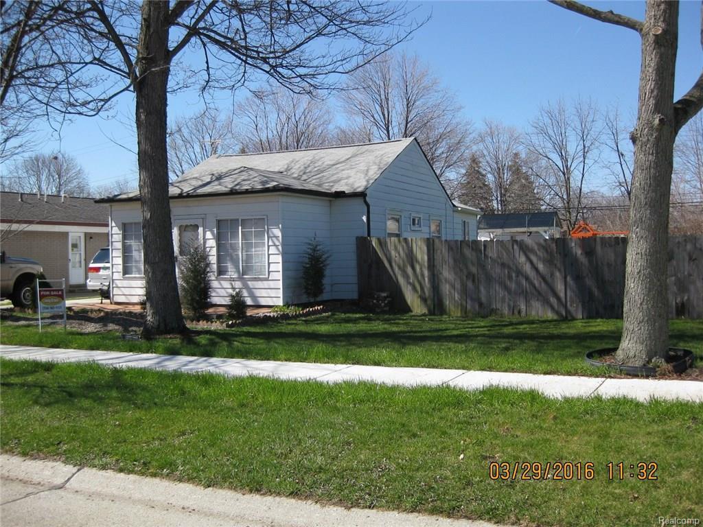 25194 Fairgrove St, Trenton, MI