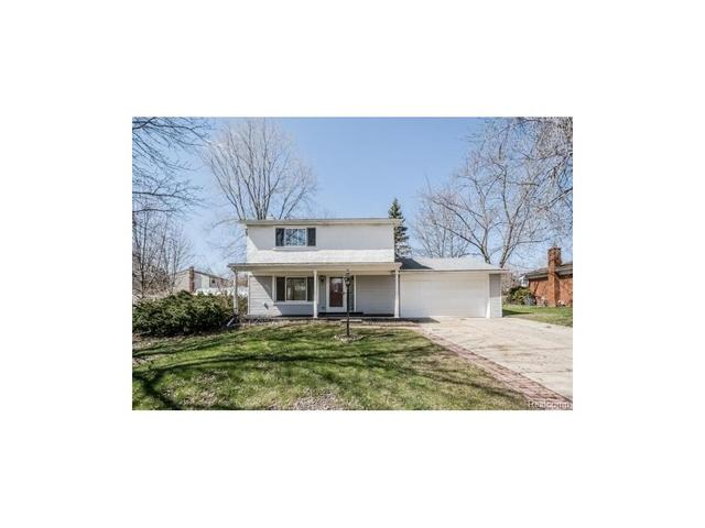 1857 Crescent Lake Rd, Waterford, MI