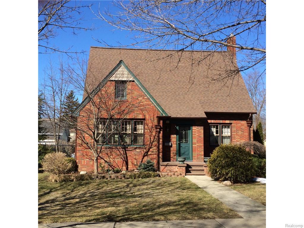 710 N Barnard St, Howell, MI