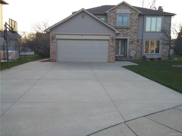 42263 Fulton Ct, Sterling Heights, MI