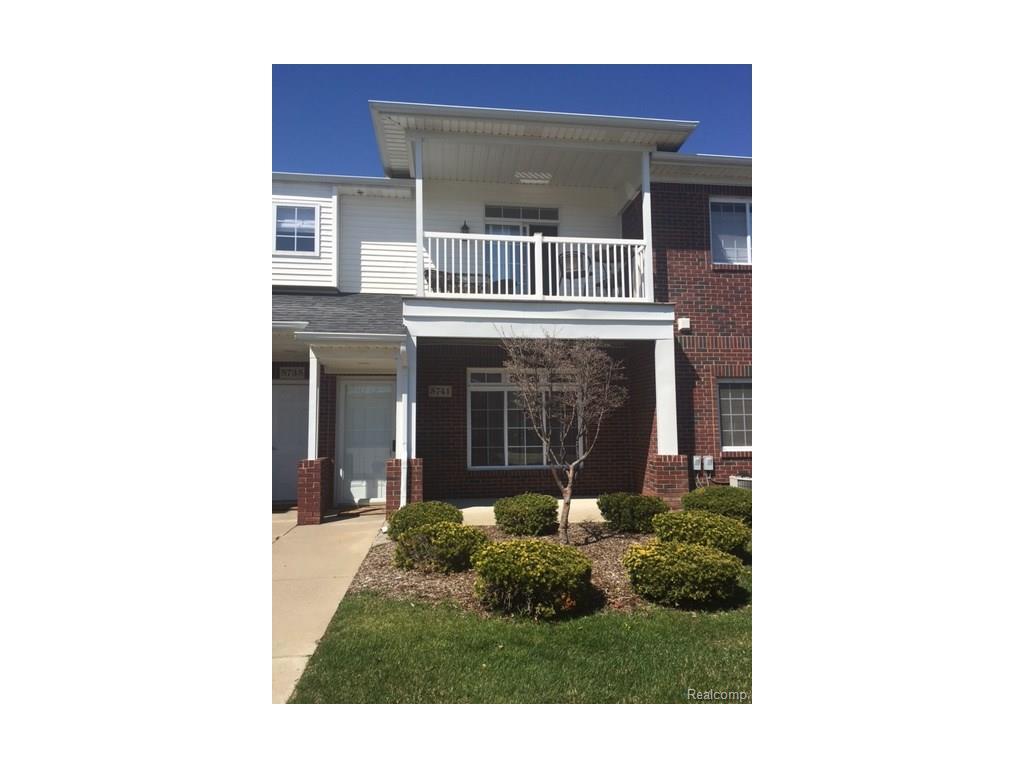 5741 Acorn Ln, Sterling Heights, MI