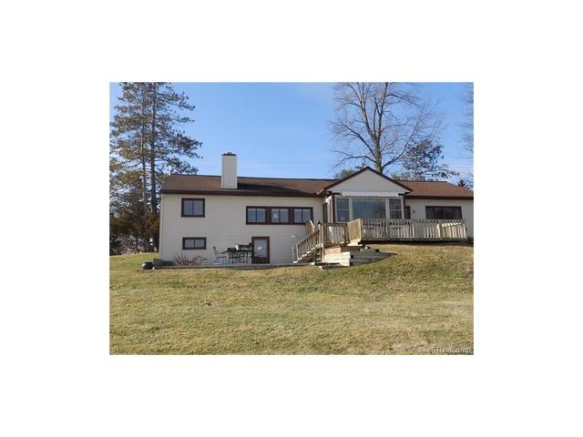 513 N Ponchartrain St, White Lake, MI
