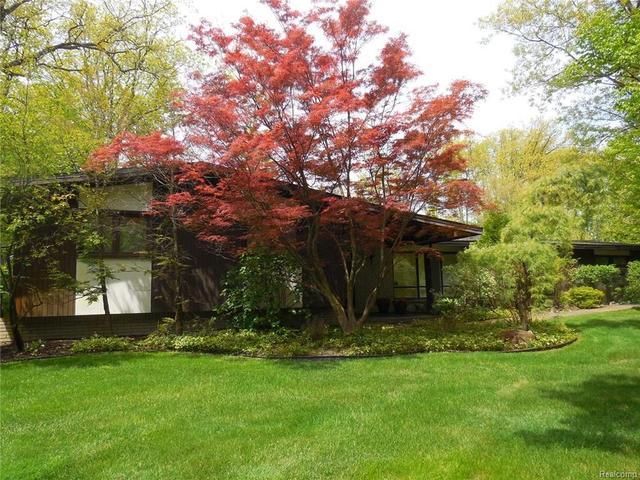 31445 E Stonewood Ct, Farmington, MI