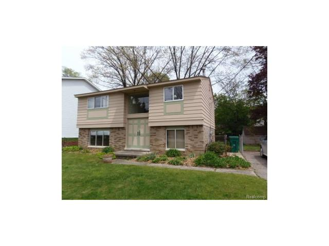 947 Brighton Lake Rd, Brighton MI 48116