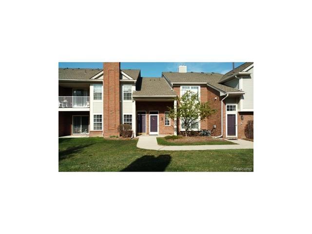 16506 Glenpointe Dr Clinton Township, MI 48038