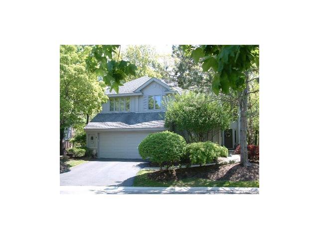 4944 Fairway Rdg, West Bloomfield, MI