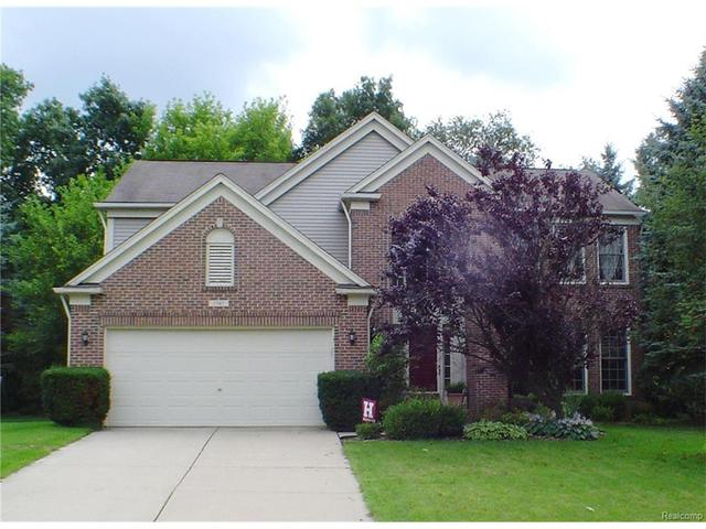 3747 Rolling Hills Rd, Lake Orion, MI
